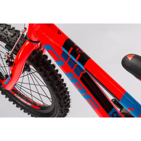 Bicicleta Cube Kid 160 action team 2016